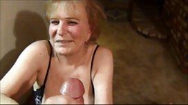 Gadis-gadis telanjang dengan jolok dengan timun basah pantat dengan seks mainan