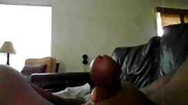 Seorang lelaki, seorang pesara di awek melayu kena jolok pantat.