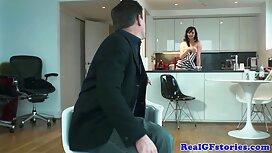 Pikaper meyakinkan melayu main jolok seorang gadis untuk blowjob.