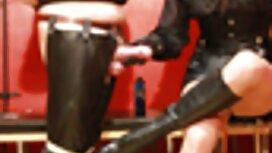 Seorang pelajar jolok bontot awek di swasta club di sebuah pesta
