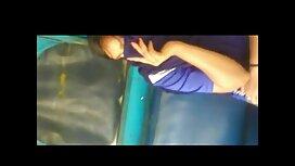 Gadis muda topi dengan awek tudung jolok getah cock di kamera