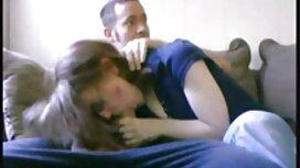 Sukan gadis mengunyah jolok pepek tembam kanak-kanak lelaki di gelanggang.
